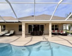 WOW Designer Home, WOW Pool, WOW Golf. Course View & WOW Location The Villages Florida